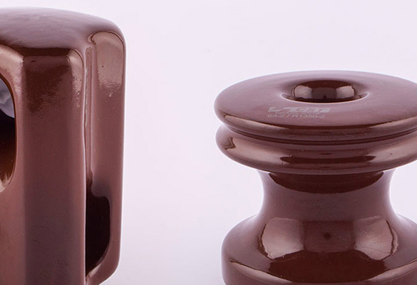 Isolador de porcelana tipo roldana