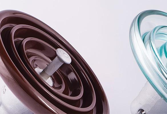 Isoladores elétricos de porcelana